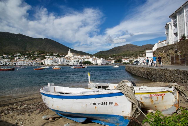 Cadaqués-Spain-Boats-on-Beach.jpg