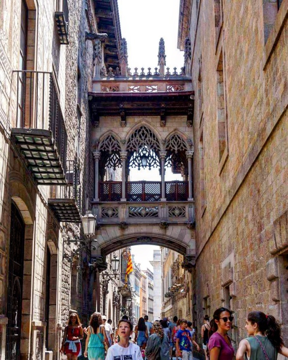 Why you should study a language in Spain